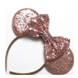 NWT Minnie Mouse Rose Gold Sequin Ear Headband